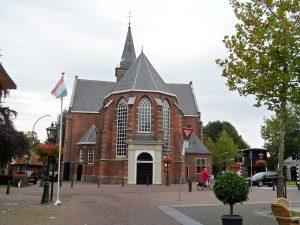 Hoofdingang Pieterskerk Breukelen 2011